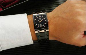 relógio wwoor masculino dourado preto